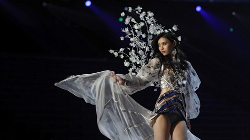 China's long, troubled road to the Victoria's Secret runway