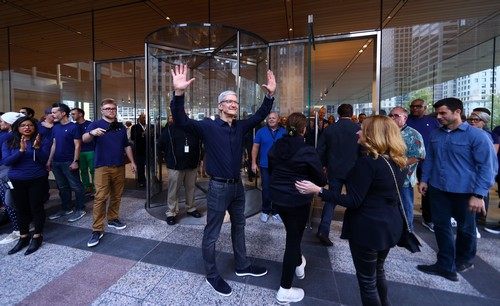 Apple's Growth Takes Off Again