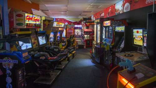 Meet the Pac-Man That Eats Bitcoin at this 21st Century Arcade