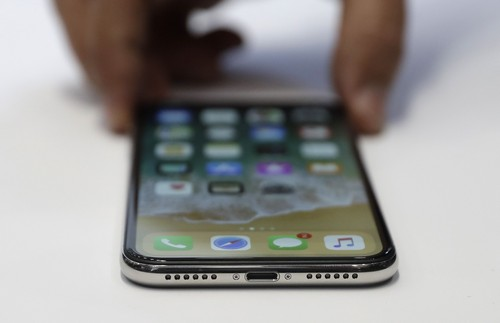 You do not want to break your iPhone X screen without AppleCare