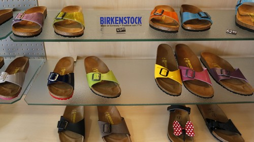 """Germany has ordered Amazon to stop taking advantage of people who can't spell """"Birkenstock"""""""