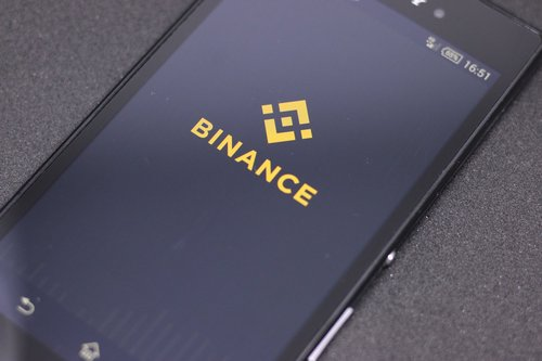 World's Largest Crypto Exchange Binance Looks to Add New Stablecoins