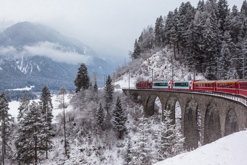 Swiss Railway Tests Blockchain Identities for Workplace Safety Boost